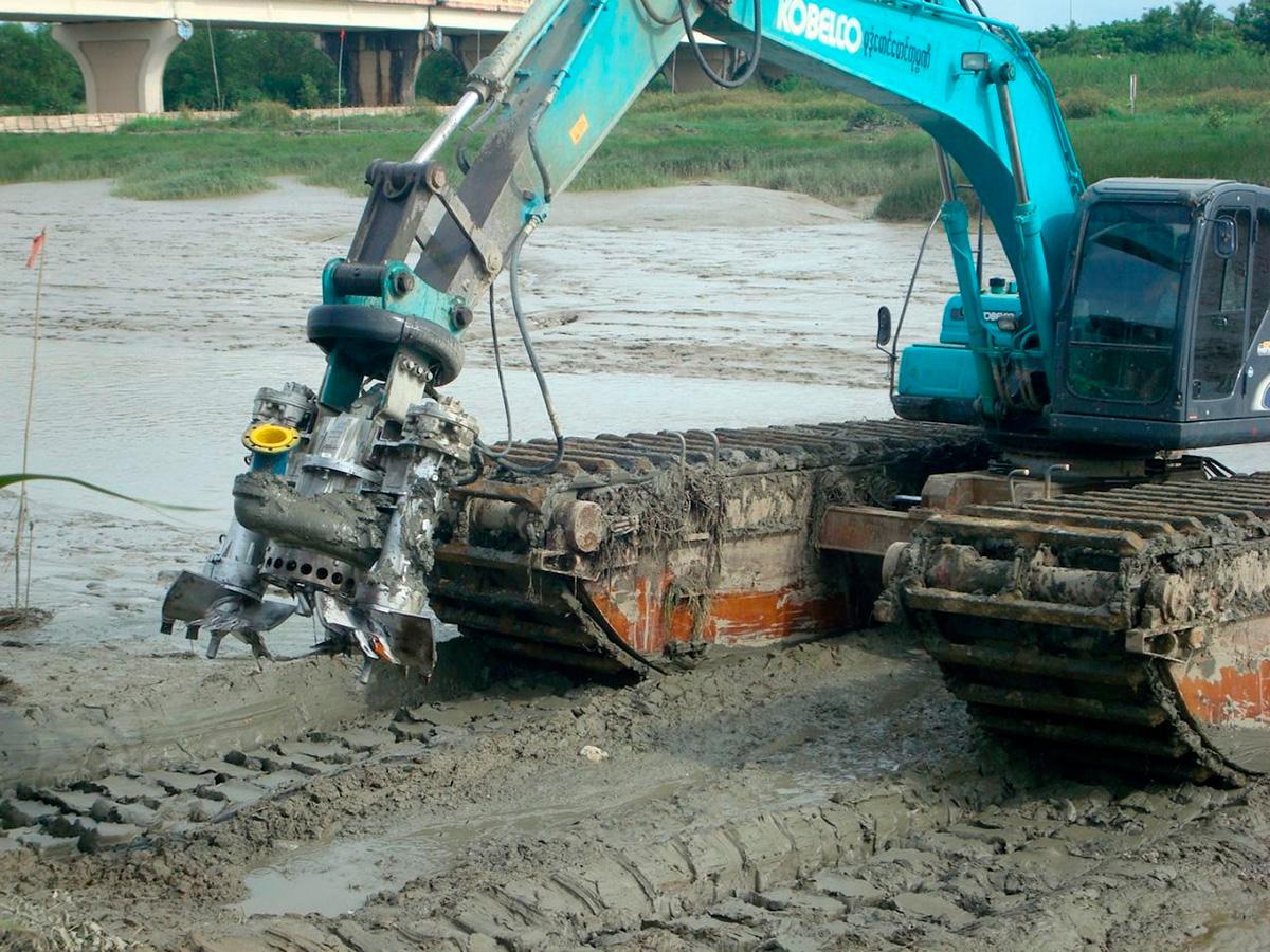 Дноуглубительный шламовый грунтовый насос DRAGFLOW HY85B с двумя рыхлителями EXHY20  с гидравлическим приводом
