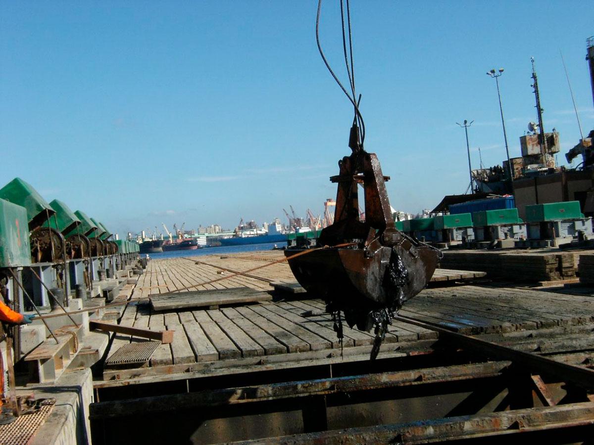 Дноуглубительные работы с помощью шламового насоса DRAGFLOW HY85B с двумя рыхлителями EXHY20. Суэцкий канал. Египет.