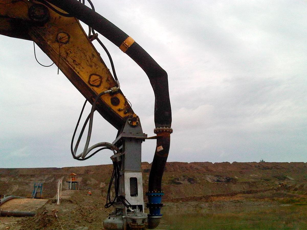 Дноуглубительный шламовый грунтовый насос DRAGFLOW HY400B с двумя рыхлителями EXHY35 с гидравлическим приводом.