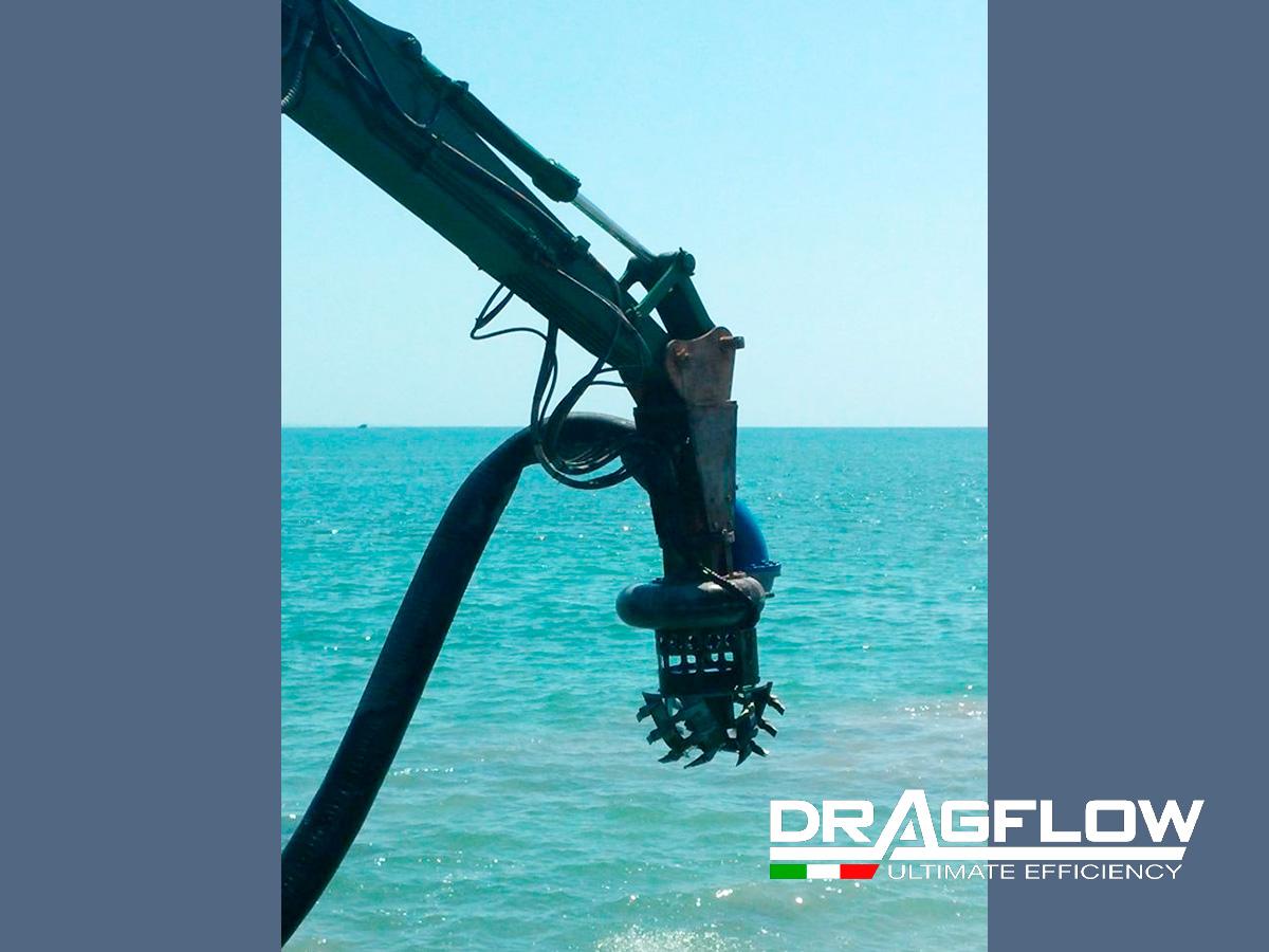 Дноуглубительный шламовый грунтовый насос DRAGFLOW HY85HC с фрезерным рыхлителем DTM-85, c гидравлическим приводом